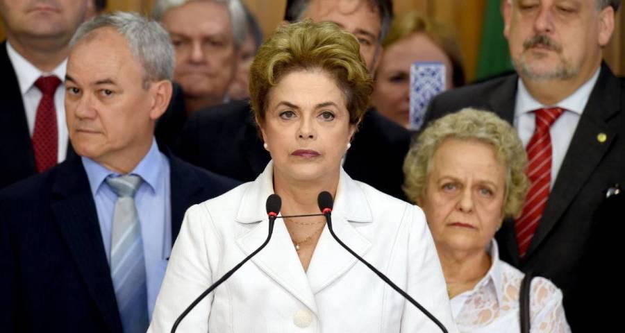 Presidenta será julgada em processo de impeachment e Michel Temer assume interinamente o Governo